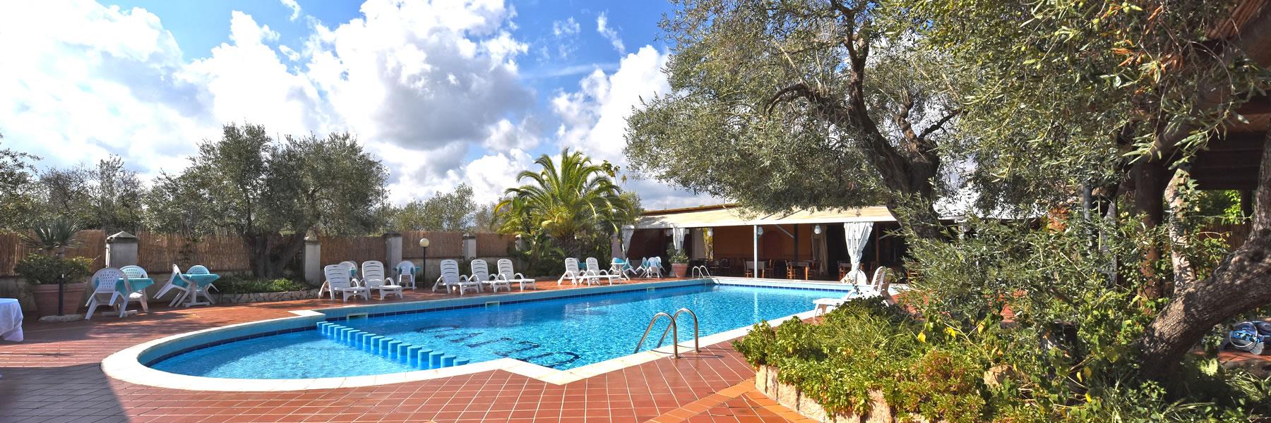 Hotel 3 stelle con piscina in ogliastra hotel l 39 ulivo - Hotel con piscina privata grecia ...